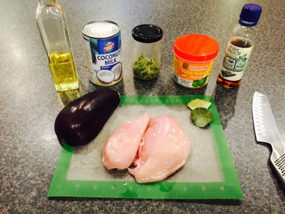 Ingredients for Gaeng Key Au Waan Kai (Green curry chicken)