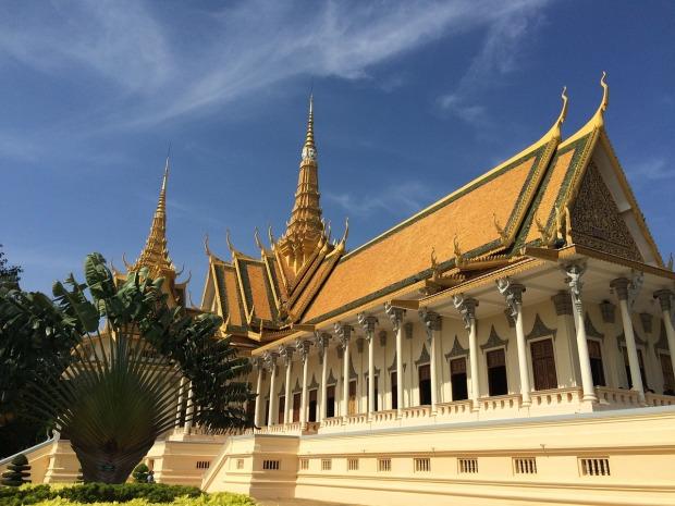 royal-palace-and-silver-pagoda-phnom-penh