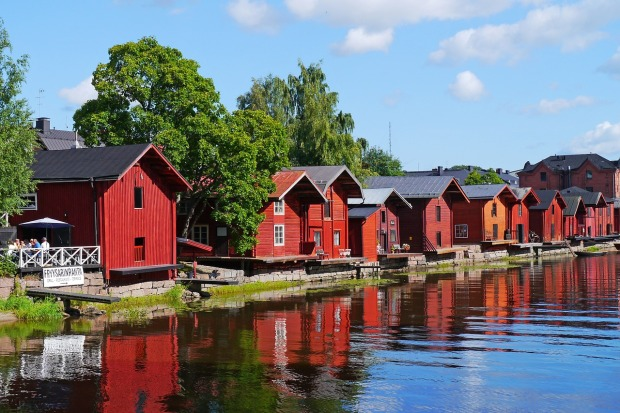 wood-houses-in-the-city-of-porvoo-finland