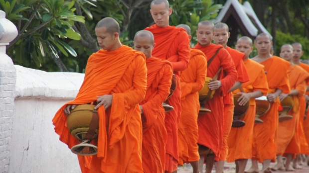 laos-monks