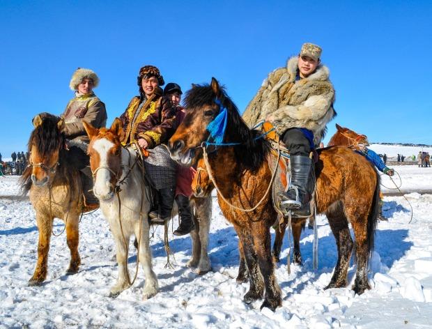 mongolian-horsemen