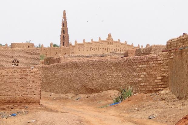 mud-mosque-bani