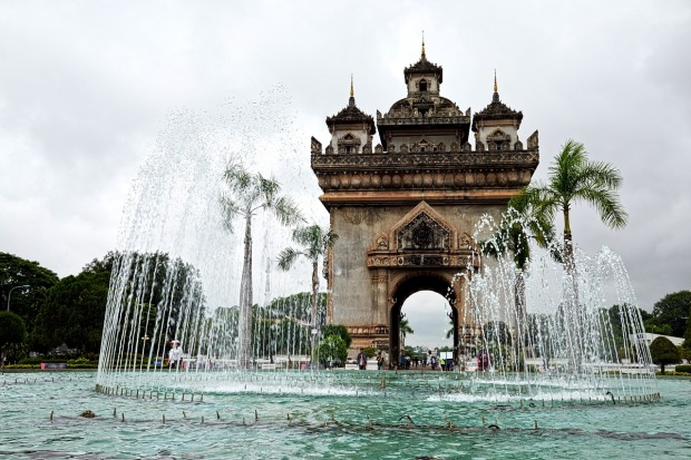 patuxai-victory-monument-vientiane-laos