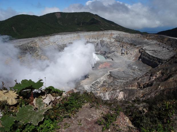 poas-volcano-costa-rica